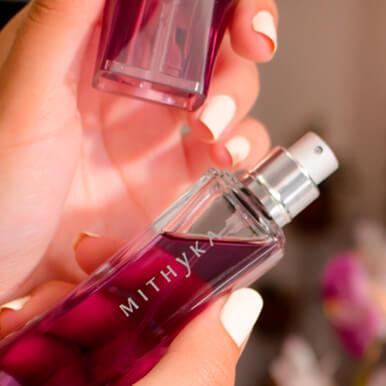TIP-Frotar-el-perfume-en-la-piel-lo-fija